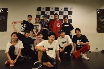 日本のダンサーの社会的地位が十分に確立されていないと痛感しております。