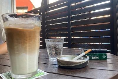 新宿三丁目のタバコ吸えるカフェ特集!
